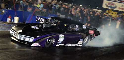 Ontario-native Melanie Salemi was super impressive racing her car at Norwalk - including 3 consecutive 5.87 secs ETs while advancing to the PM championship final round.