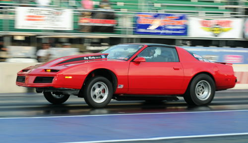 """That's Open Comp class racer """"Big Ricky"""" (from Garrettsville ON) making a qualifying lap in his 2005 Firebird."""
