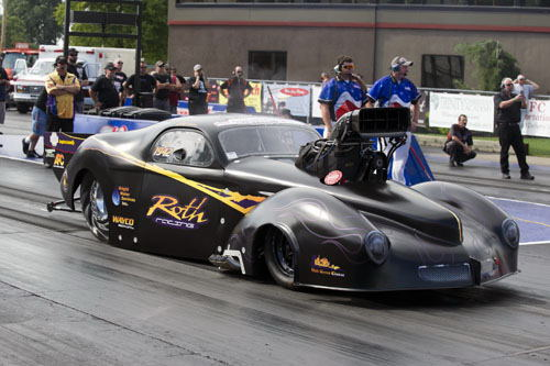 Jeff Roth entered his revolutionary '41 Willy's at Norwalk and did hit a best time so far in the car at 6.117 secs.