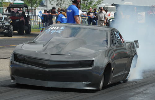 Racing this stealty looking Camaro -- Chris Gould took the season title in Extreme Street (Outlaw 10.5)