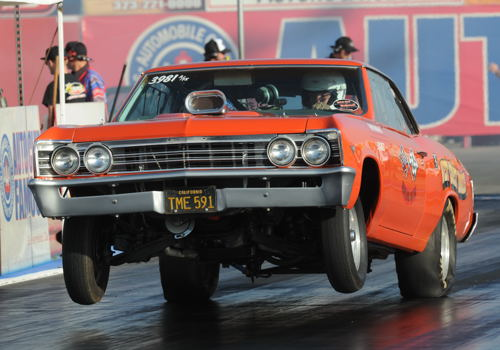 Bob Moreland raced his 1967 Chevelle to a win in the A/FX class.
