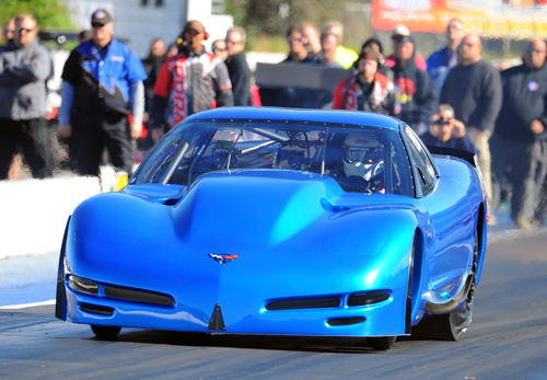 Canadian stalwart Outlaw 10.5 racer John Carinci was a convincing winner with his 2004 Corvette. (Photo by Phil Hutchison)
