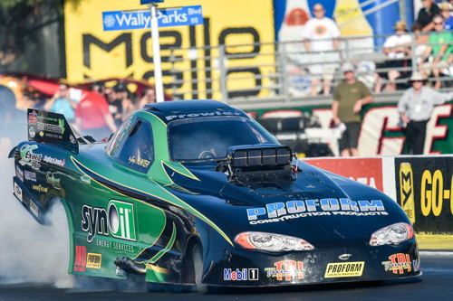 Greg Hunter drove Geoff Goodwin's Red Deer AB based Synoil Chevy to some very rewarding math during TAFC qualifying - hitting a 5.524 secs and a stout terminal speed of 261.78 mph.